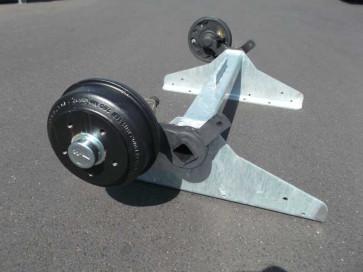 gebremste Achse bis 1300 kg Flansch 1150mm Auflage 735mm