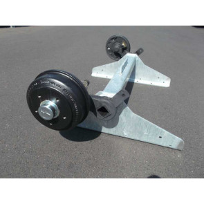 gebremste Achse bis 1500 kg Flansch 1625mm Auflage 1200mm