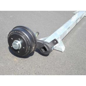 gebremste Achse bis 1500 kg Flansch 2235mm Auflage 1670mm